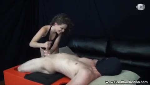 Amateur Riding Her First Hge Dildotures