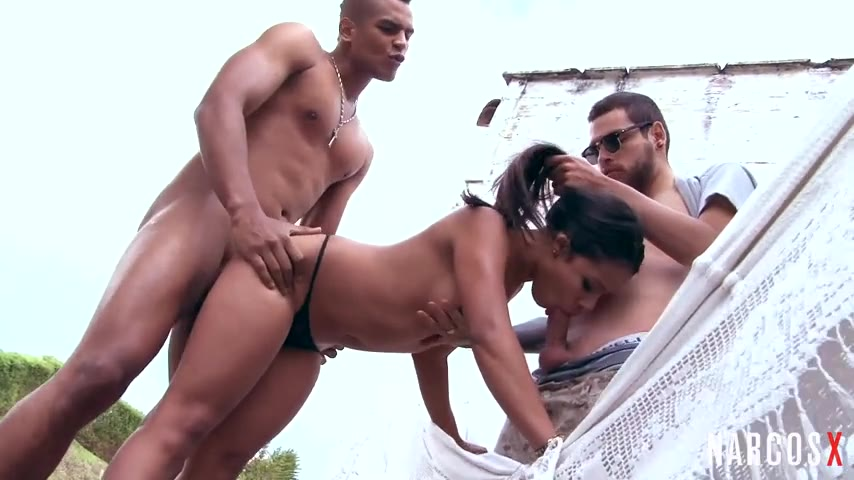 Wild Colombian fuck indoors and outdoor threeway at the lake