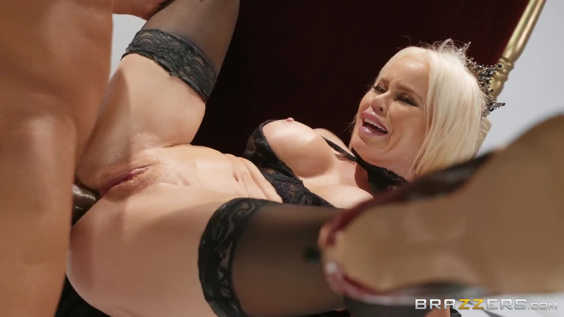 Nikki Delano, Ricky Johnson - Capture The Queen - Big Wet Butts - Brazzers