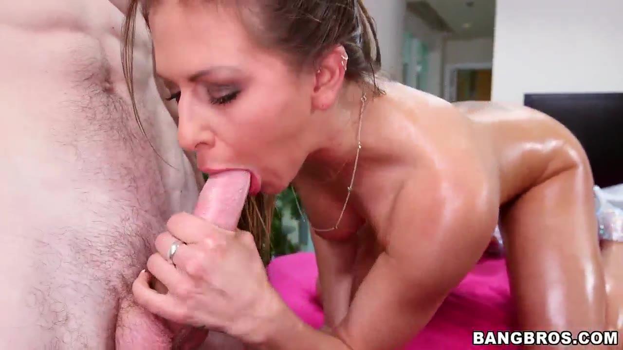 Rachel Roxxx - Sexy Brunette Massaged And Fucked Hardcore