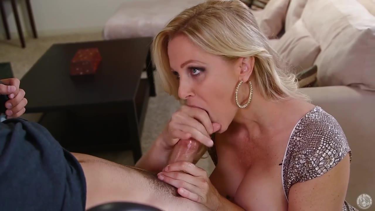 Big Busty Tits Bouncing